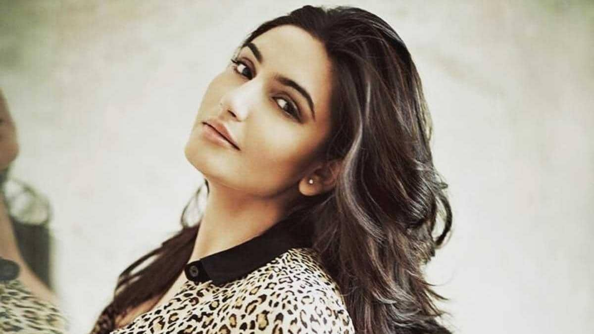 Ragini Dwivedi complains of stomach ache, shifted to hospital