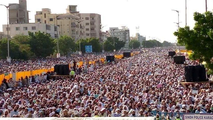 Pakistan: Sea of people at Anti-Shia protest jolts Karachi