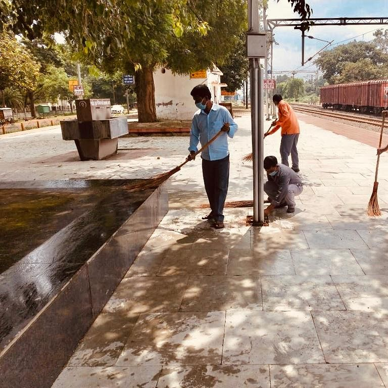Bhopal: Cleanliness in the city to take a hit ahead of Diwali, BMC contractual staff threaten strike over regularization