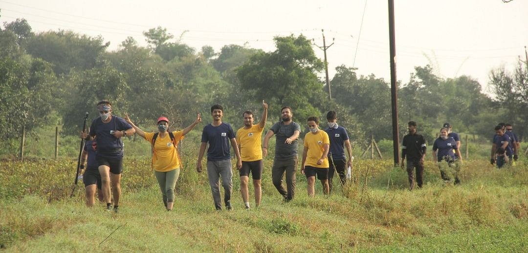 Indore: Fitness enthusiasts participate in forest mud hill run