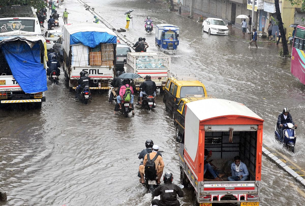Waterlogging in Matunga due to heavy rainfall in Mumbai
