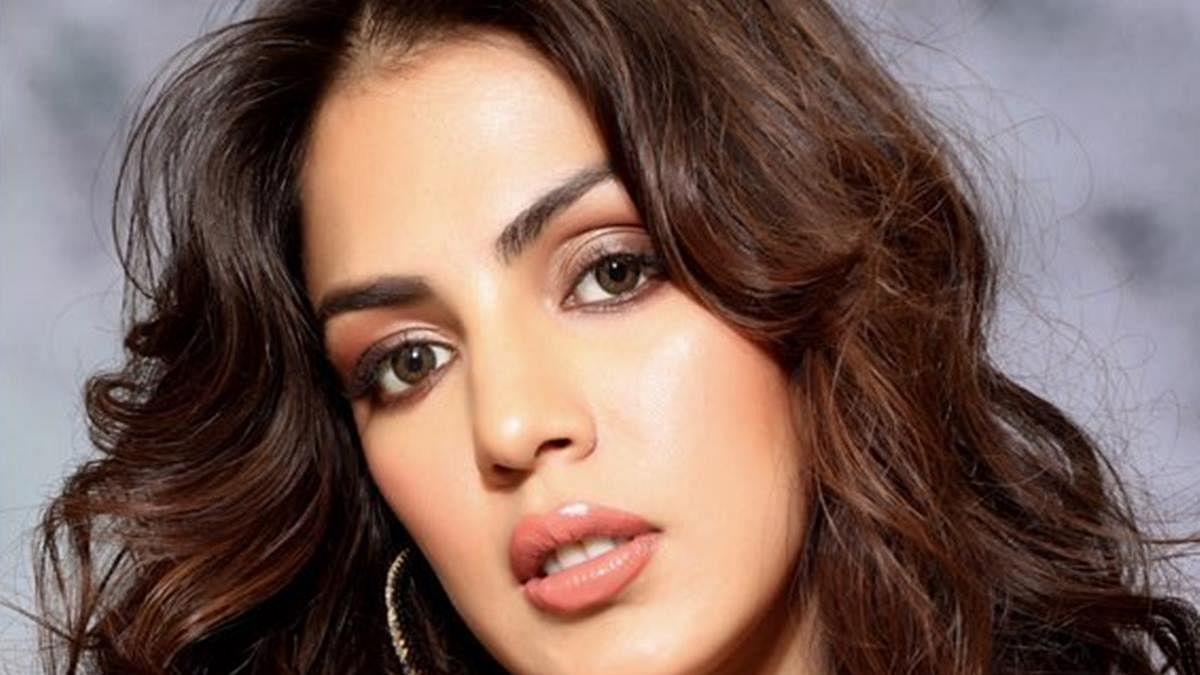 Kanika Dhillon asks how long will Rhea Chakraborty still have to be in jail