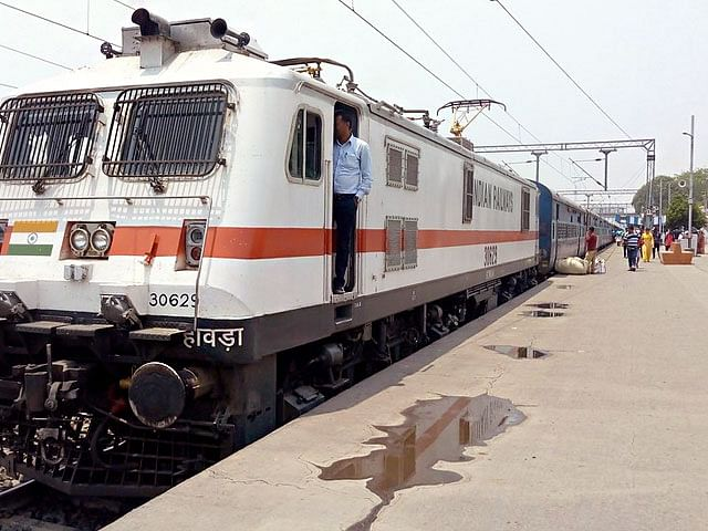Central Railway long-distance to have halts in Maharashtra