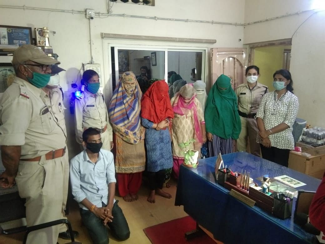 Indore: Sex racket busted, 6 women among 7 ​held