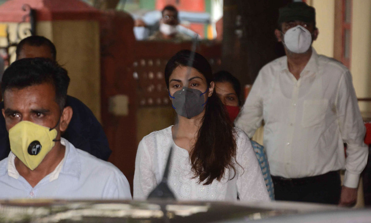 In Pics: Rhea Chakraborty arrives at Santacruz police station, a day after her release