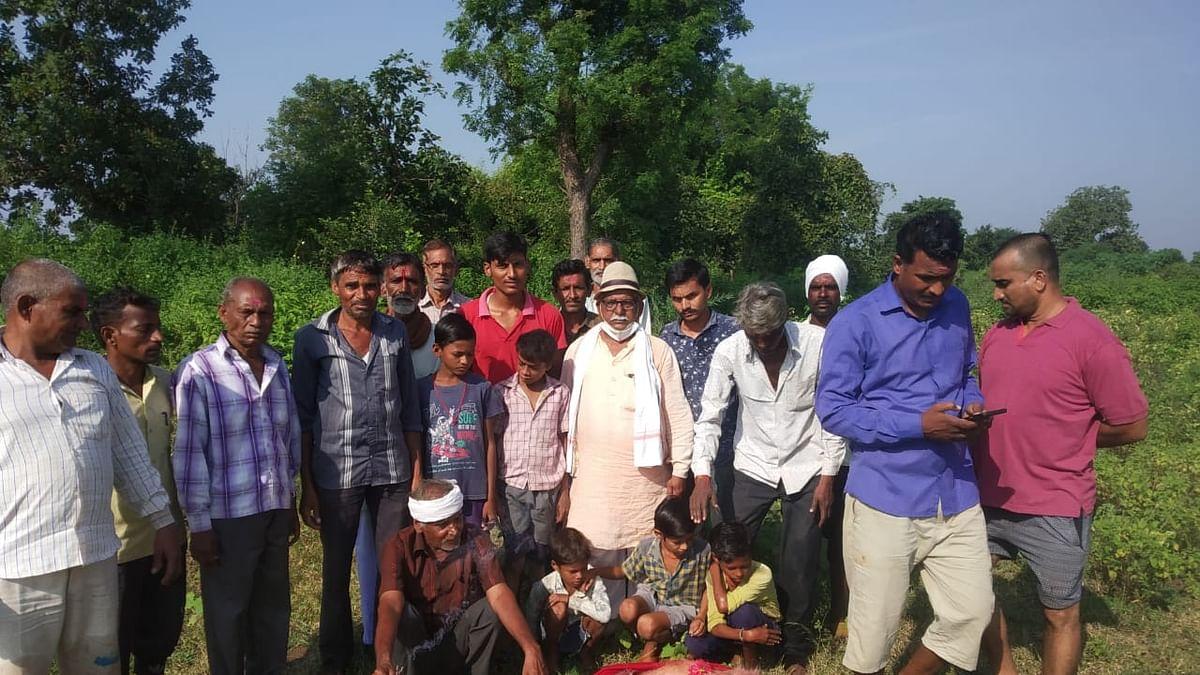 Madhya Pradesh: Villagers cremate monkey with full respect