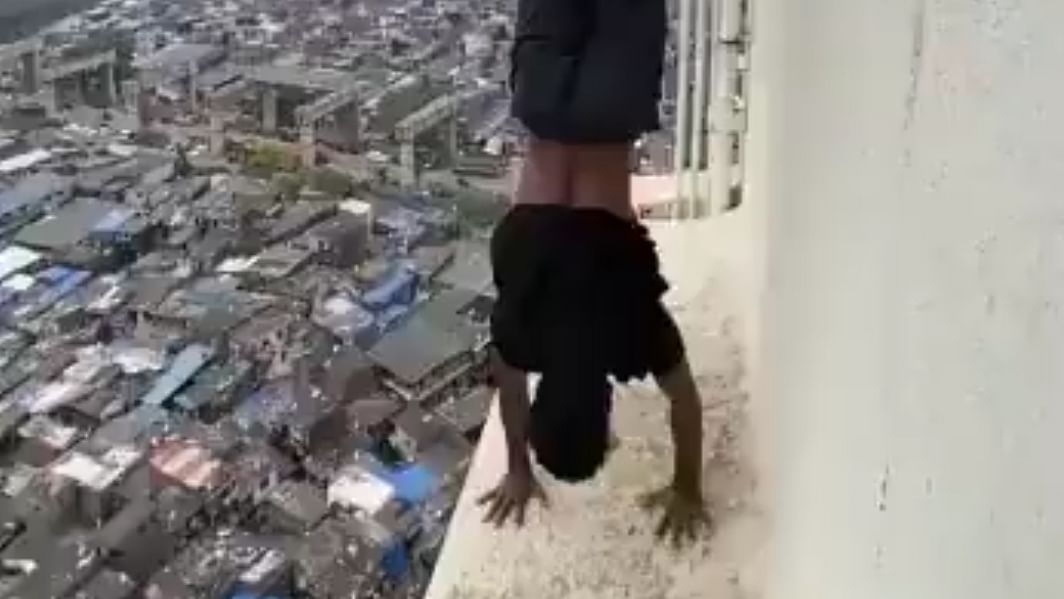 Three youths held for performing dangerous stunts on a highrise