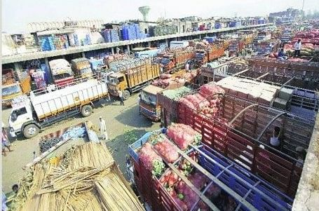 Vashi market gets onion from Iran, expect a little correction in price