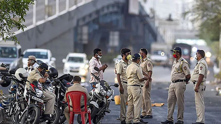 Thane: 2 cops injured in attack by murder convict who jumped parole