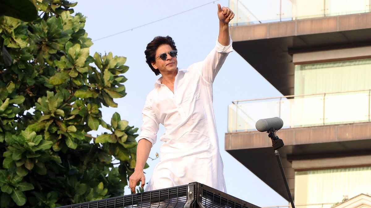 Delhi health minister thanks Shah Rukh Khan for donating Remdesivir injections; fans say 'king for a reason'