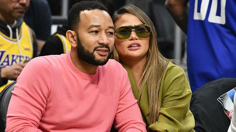 Supermodel Chrissy Teigen posts heart-breaking account of her miscarriage