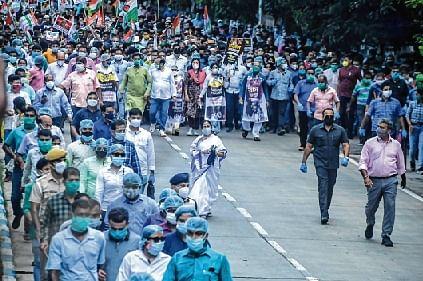 Mamata takes to Kolkata streets