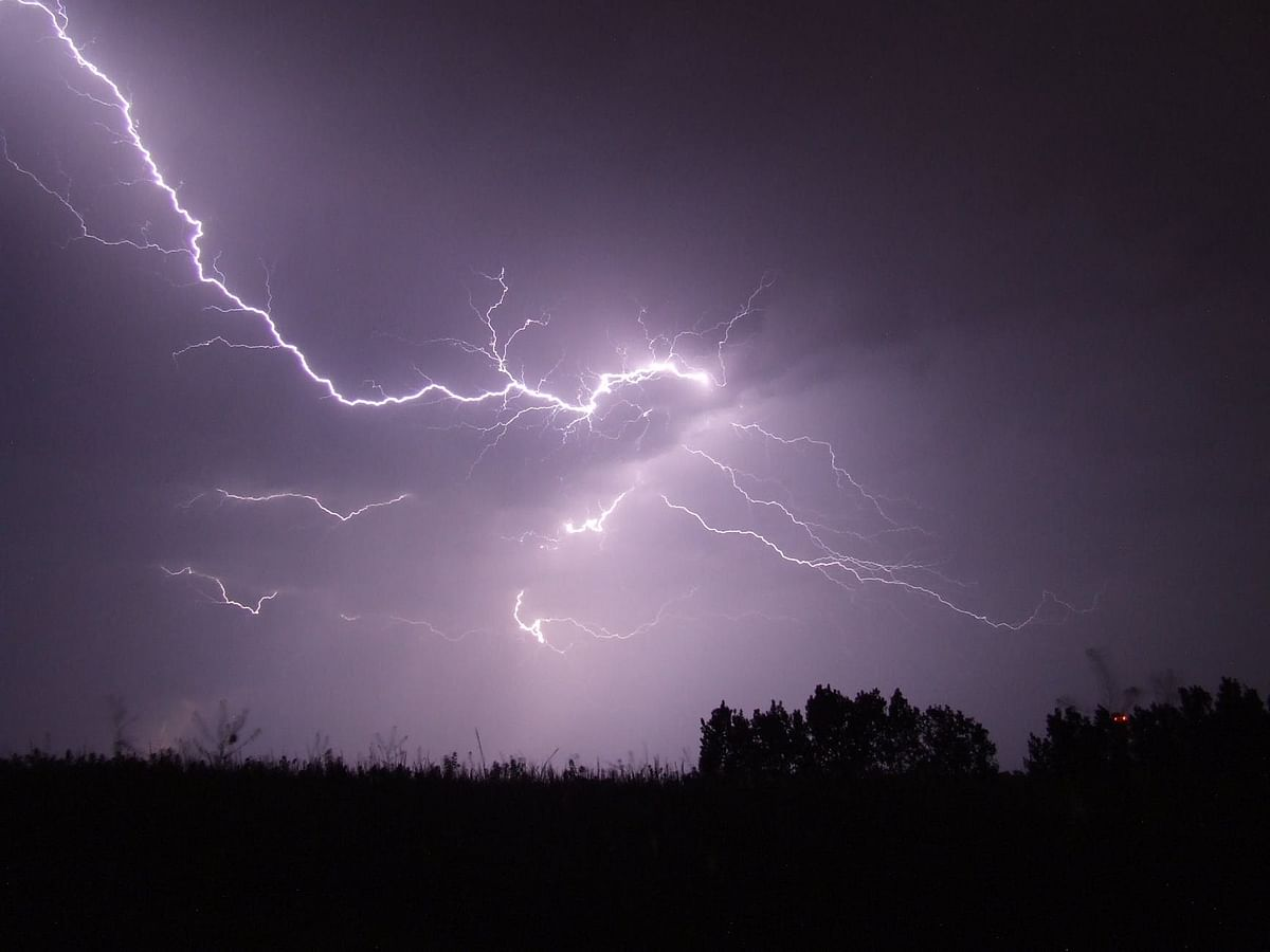 One killed, 26 injured amid lightning strikes in Thane