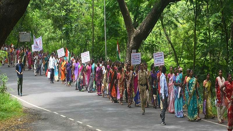 Forest department to raise a wall in Aarey Colony plots leaving tribals in dilemma