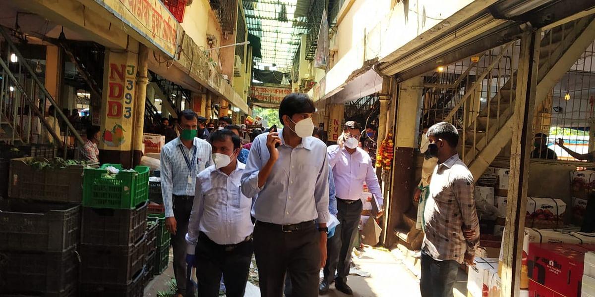 Coronavirus in Navi Mumbai: NMMC chief makes surprise visit to APMC to ensure COVID norms are followed