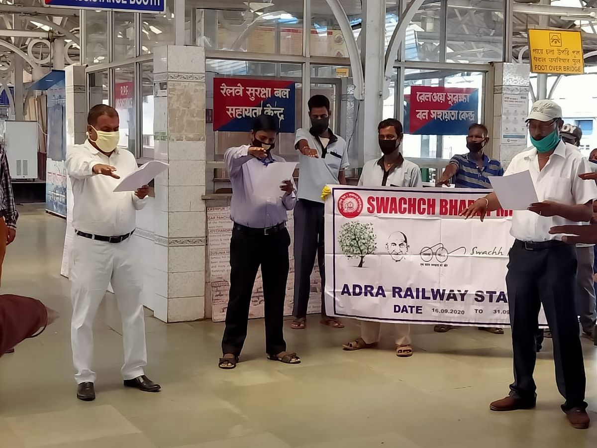 "South Eastern Railway observes ""Swachhta Pakhwada"" all over its jurisdiction"