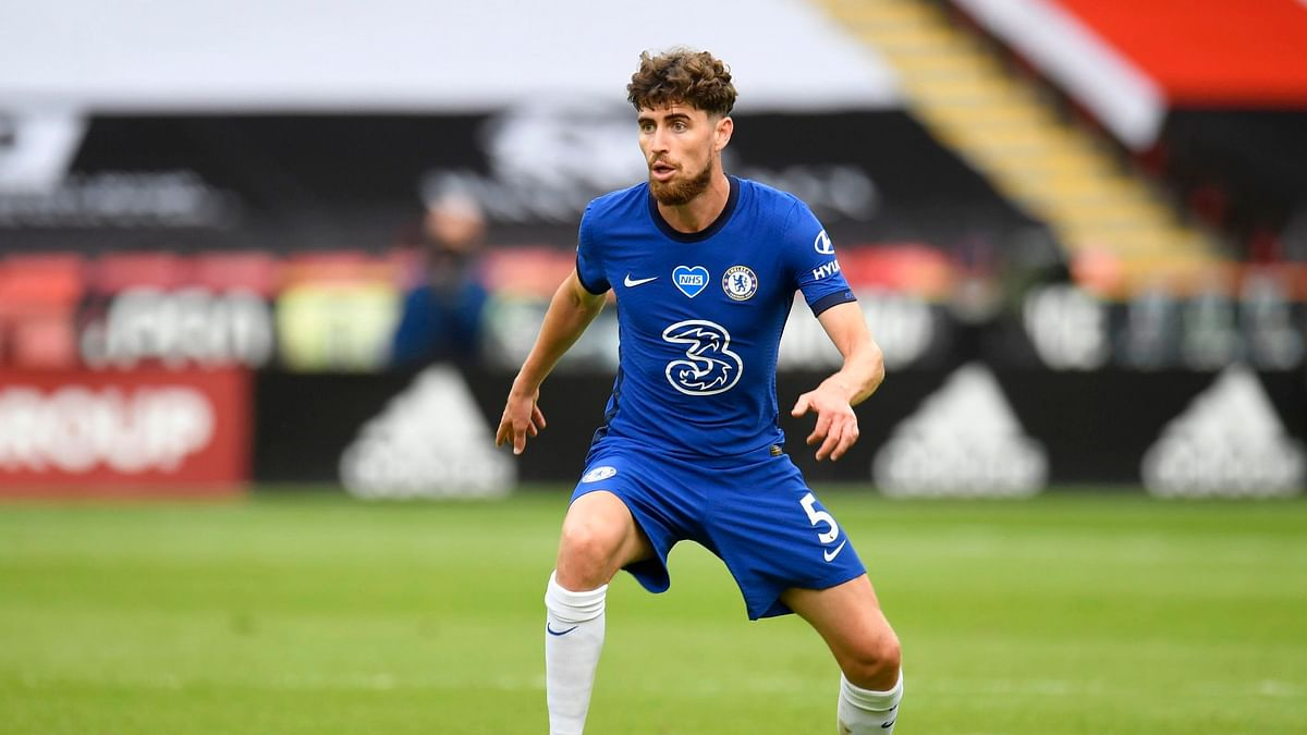 Jorginho nets 2 Chelsea penalties after captain intervenes