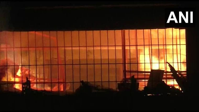 Thane: Fire breaks out at godown in Bhiwandi