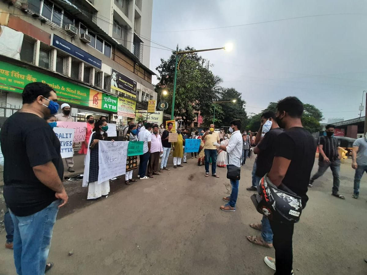 Thane: Citizens hold protest over Hathras incident demanding justice for the 19-year-old Dalit girl