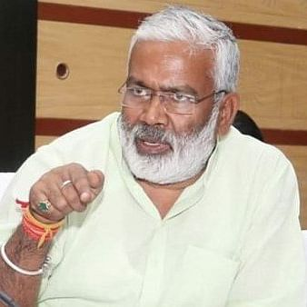 UP BJP chief Swatantra Dev Singh showers flower petals on MLA who backed Ballia firing accused