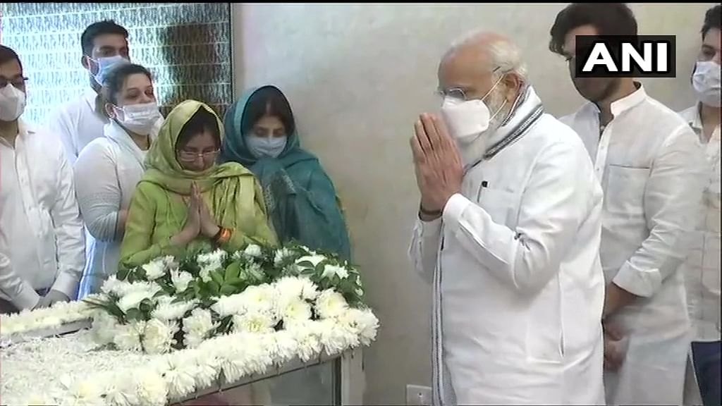 Prime Minister Narendra Modi pays last respects to Union Minister and LJP leader Ram Vilas Paswan