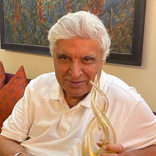Shabana Azmi shares Javed Akhtar's picture posing with his Richard Dawkins Award