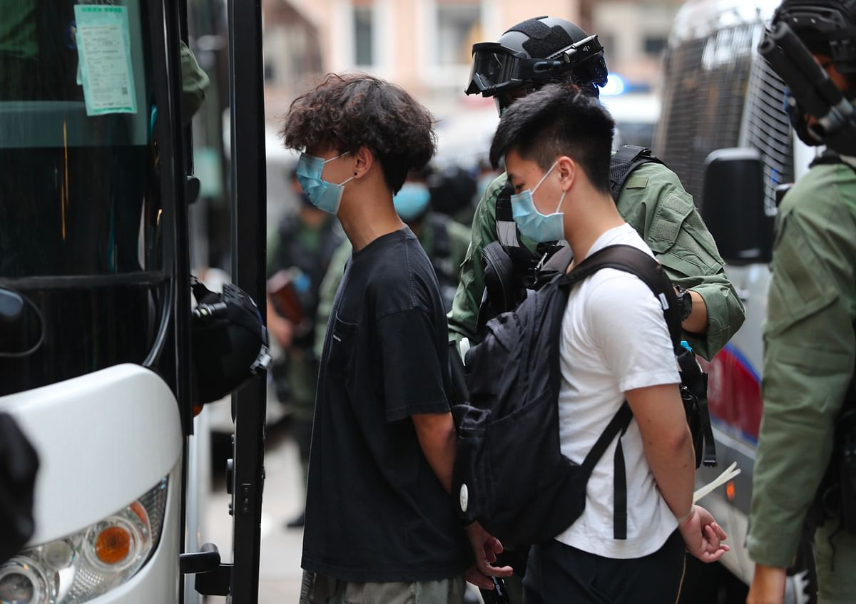 Hong Kong cops arrest dozens of protesters