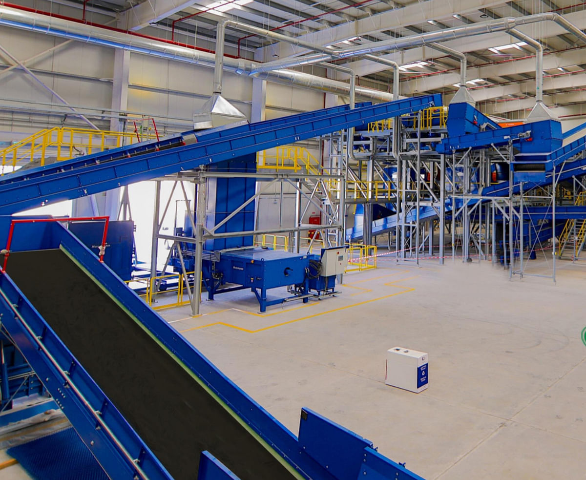 One of the largest fully-automated materials recovery facilities (MRF) in the region, spanning an area of 45,322sq m. This MRF has the capacity to process 1,200 tonnes of municipal as well as commercial and industrial (C&I) waste — equivalent to nearly 13 per cent of total waste generated daily in Dubai per day, with a recovery rate of 25-30 percent of waste. It incorporates cutting-edge magnetic, optical, and ballistic separators and smart recovery technologies to segregate and reclaim valuables.