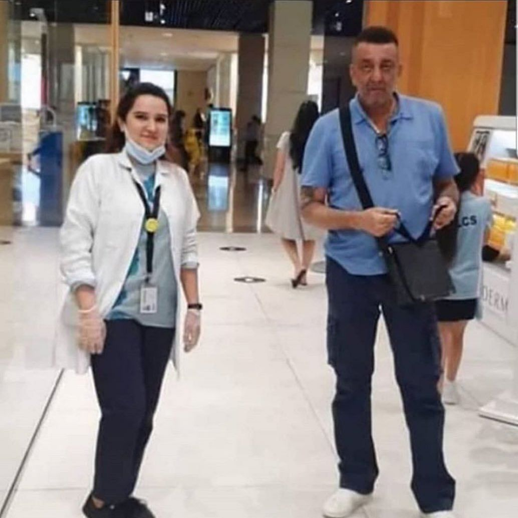 Fans express concern over Sanjay Dutt's health after new pic goes viral