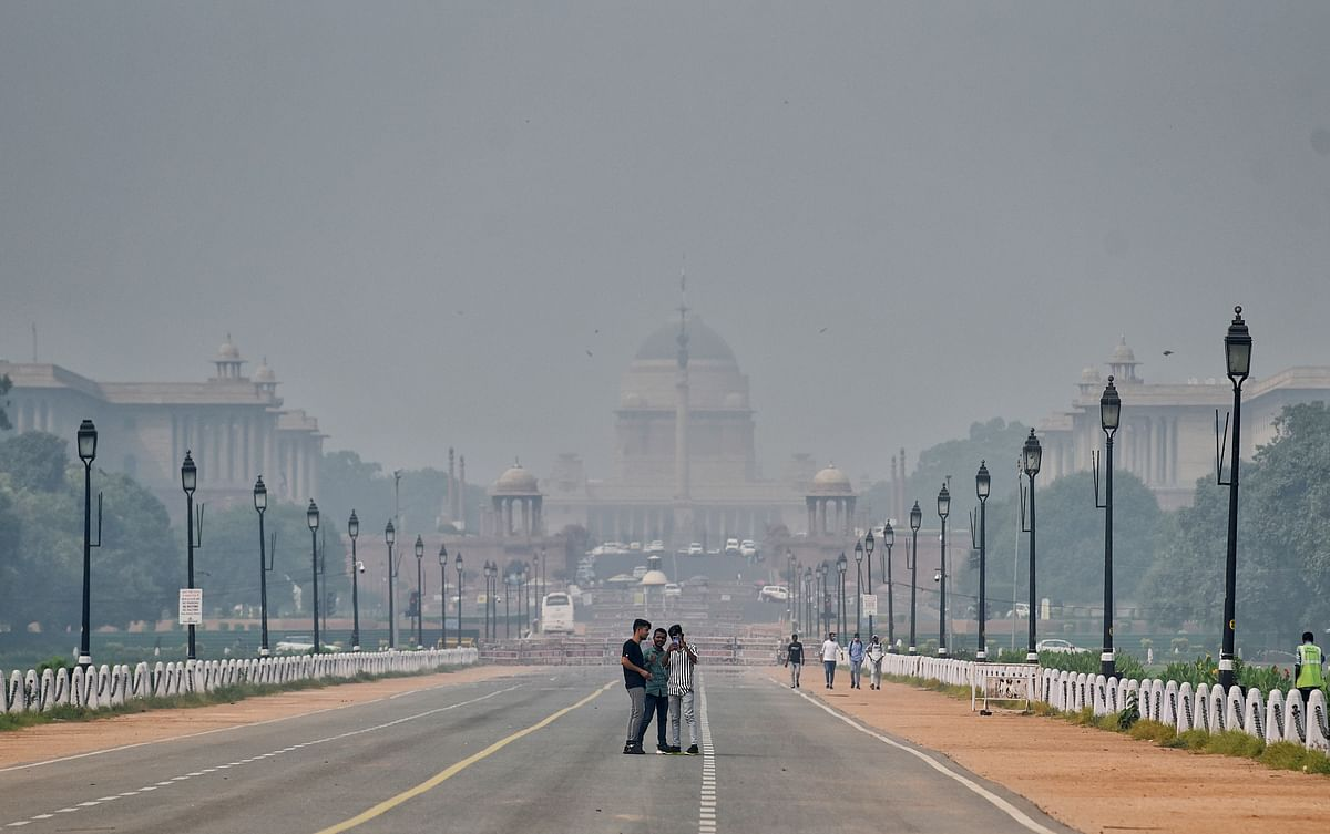A view of Rajpath area unseen due to smog as the air quality deteriorates in the national capital with rising of pollutants in the atmosphere, in New Delhi on Wednesday.