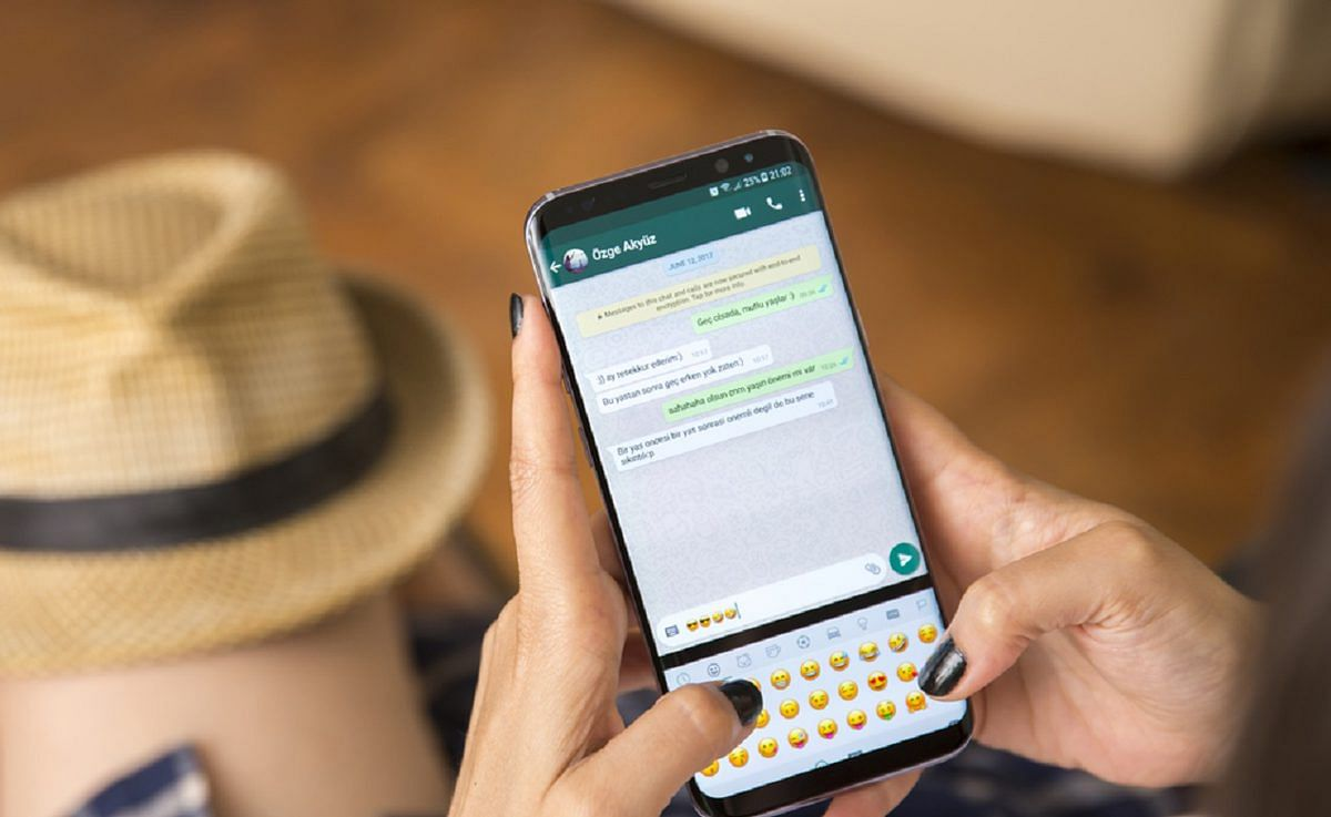 Chat & chill: Know how to calm down your texting anxiety