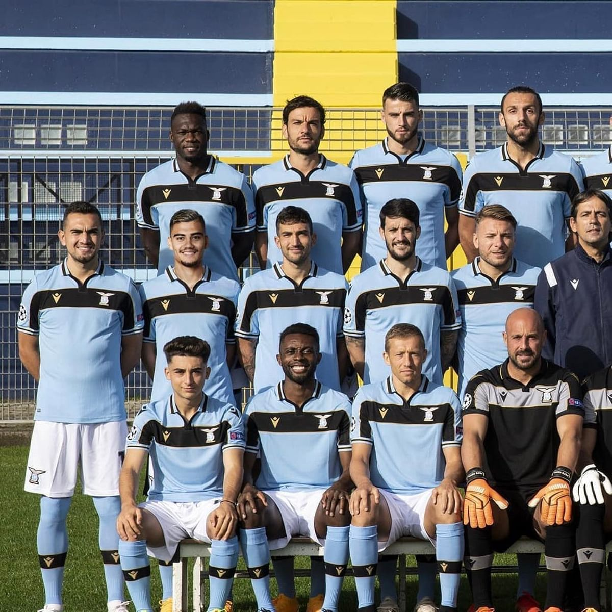 Genius or embarrassing? Here's how Lazio's Andreas Pereira was fit in squad photo