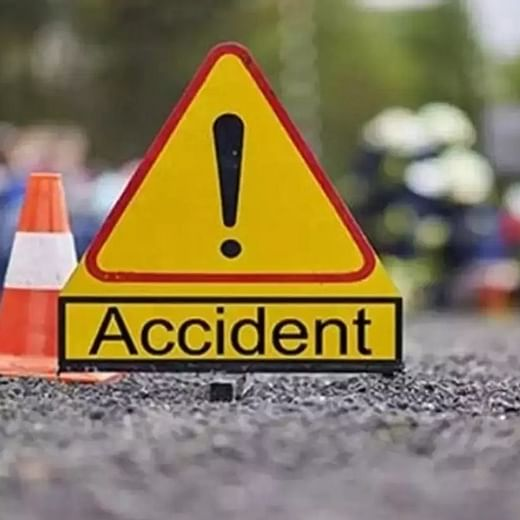 1 dead, another hospitalised after truck overturns from flyover in Thane