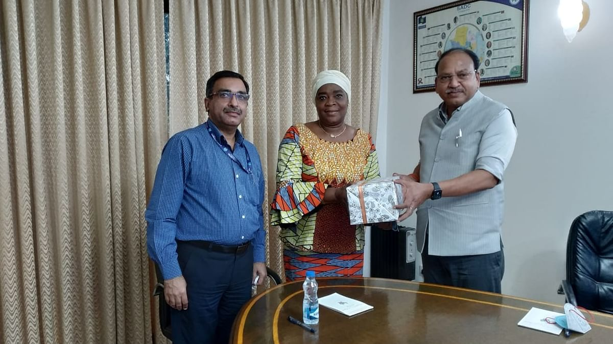 NBCC Director (Commercial) calls on Ambassador of Democratic Republic of Congo