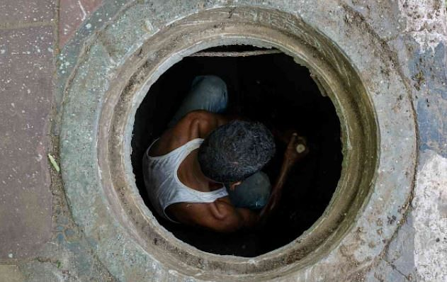 Delhi: Two men die while cleaning septic tank in Azadpur factory