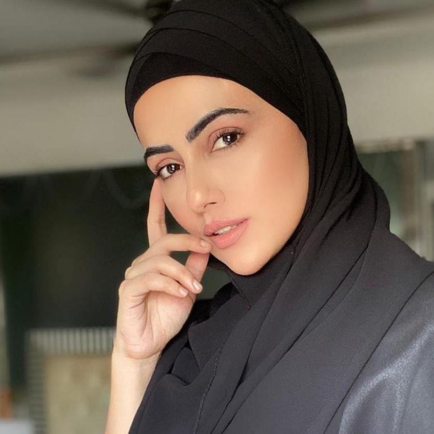 'Will follow orders of my Creator': Actress Sana Khan goes the Zaira Wasim way; quits showbiz