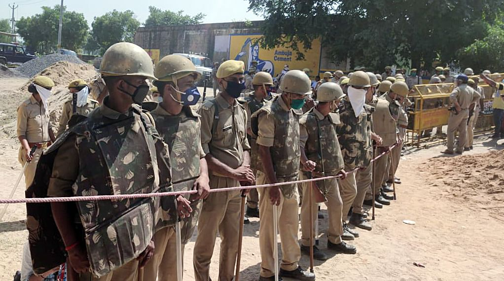 Restrictions on media in Hathras victim's village to continue till SIT completes probe: UP police
