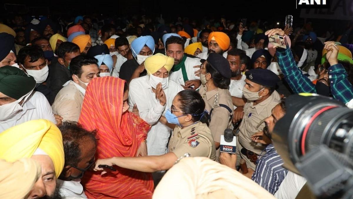 Sukhbir Singh Badal, Harsimrat Kaur detained in Chandigarh during anti-farm law protest
