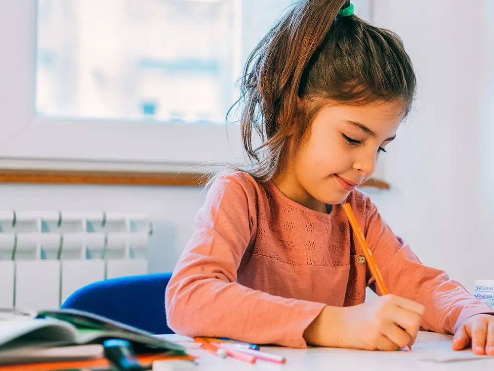 Writing by hand will make kids 'truly smart' in digital era