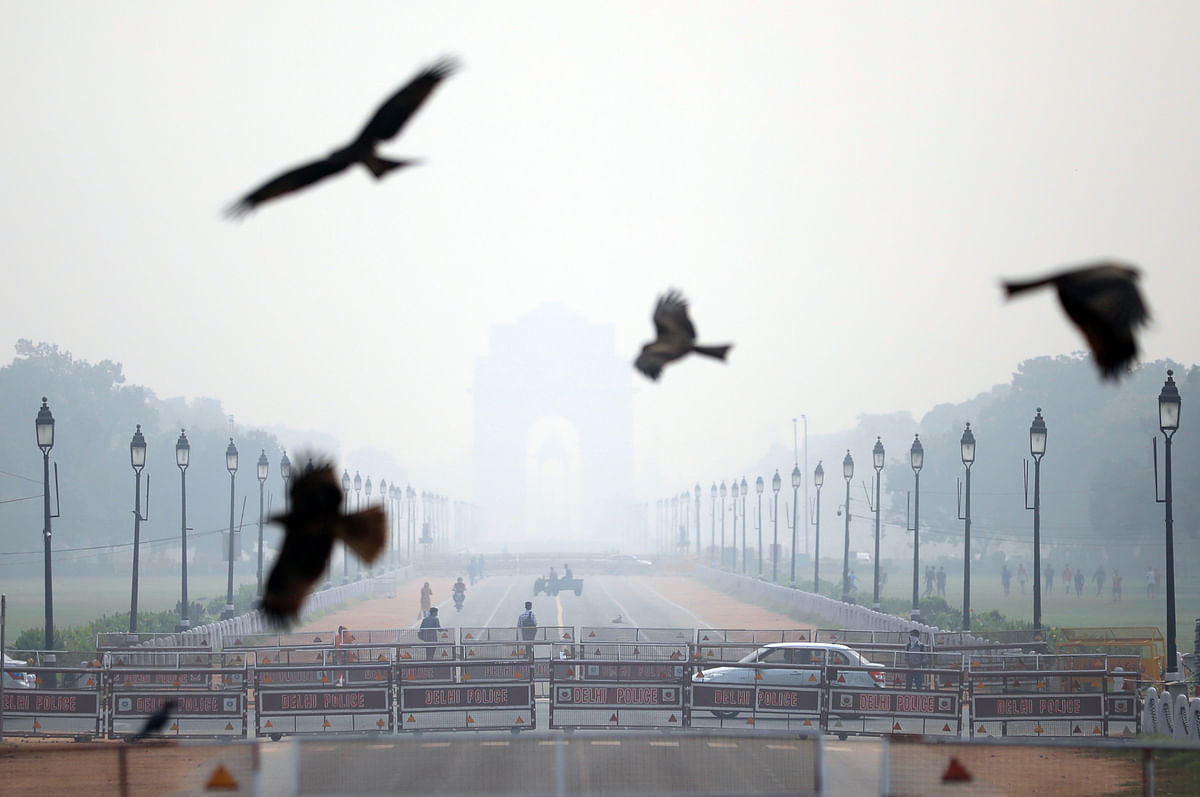 Delhi: Air quality drops to 'very poor' category, likely to worsen in next two days