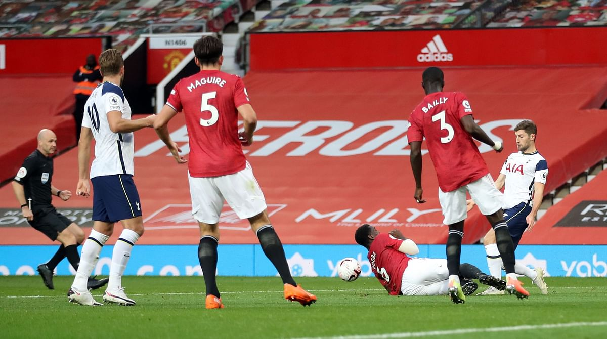 Manchester United lets in 6, Liverpool concedes 7 in incredible EPL day