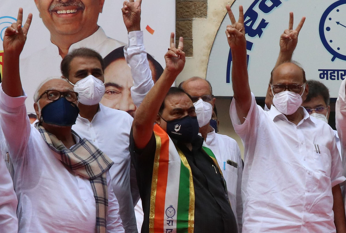 Former BJP leader Eknath Khadse joins NCP  in the presence of Sharad Pawar