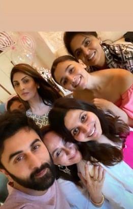 In Pics: Ranbir Kapoor, Neetu and Riddhima attend Alia Bhatt's mother Soni Razdan's birthday bash