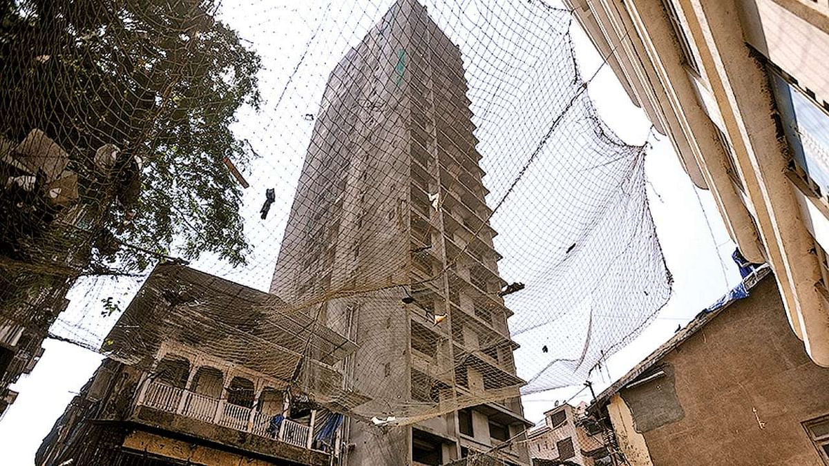 Cessed building redevelopment in Maharashtra: Mandatory for developer to deposit 1-year rent in advance