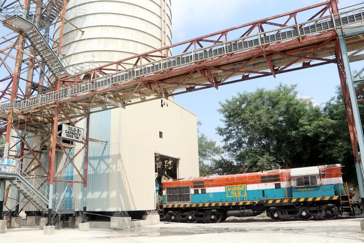 NTPC begins to transport fly ash across the country