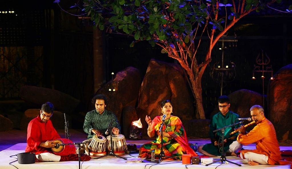 Bhopal: Performance of classical vocalist Sudha Raghuraman mesmerises audience at 'Gamak'