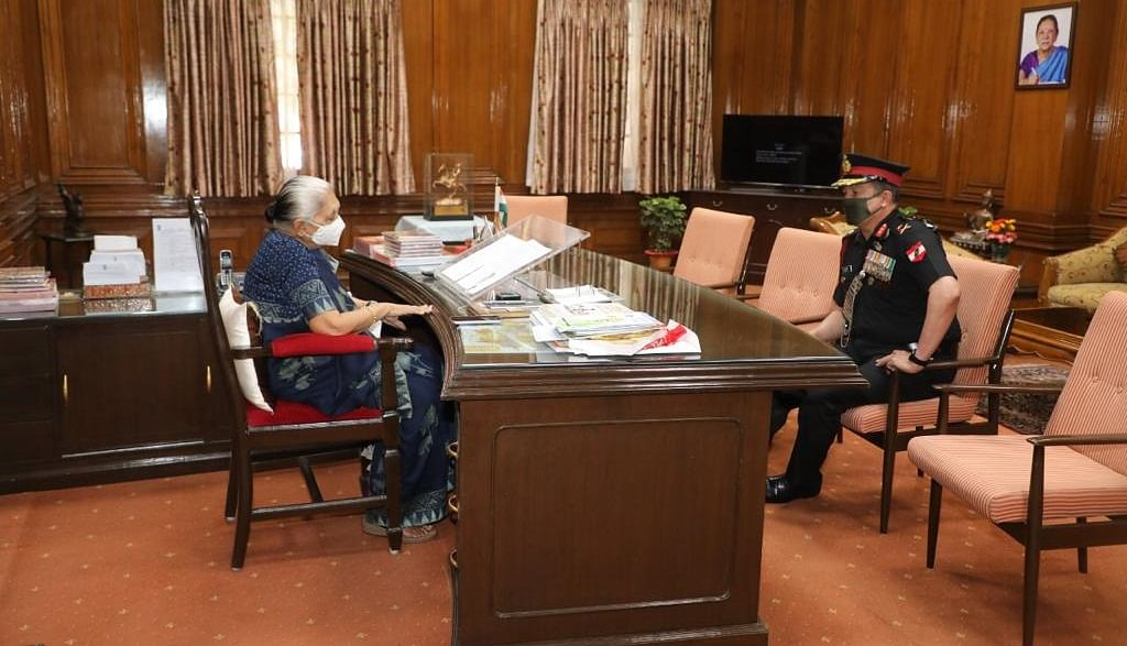 Bhopal: Governor, General Officer discuss educational opportunities for servicemen