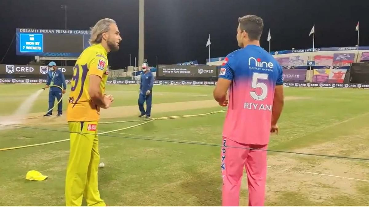 Watch: CSK's Imran Tahir shares leg-spin bowling tricks with Rajasthan Royals' Riyan Parag