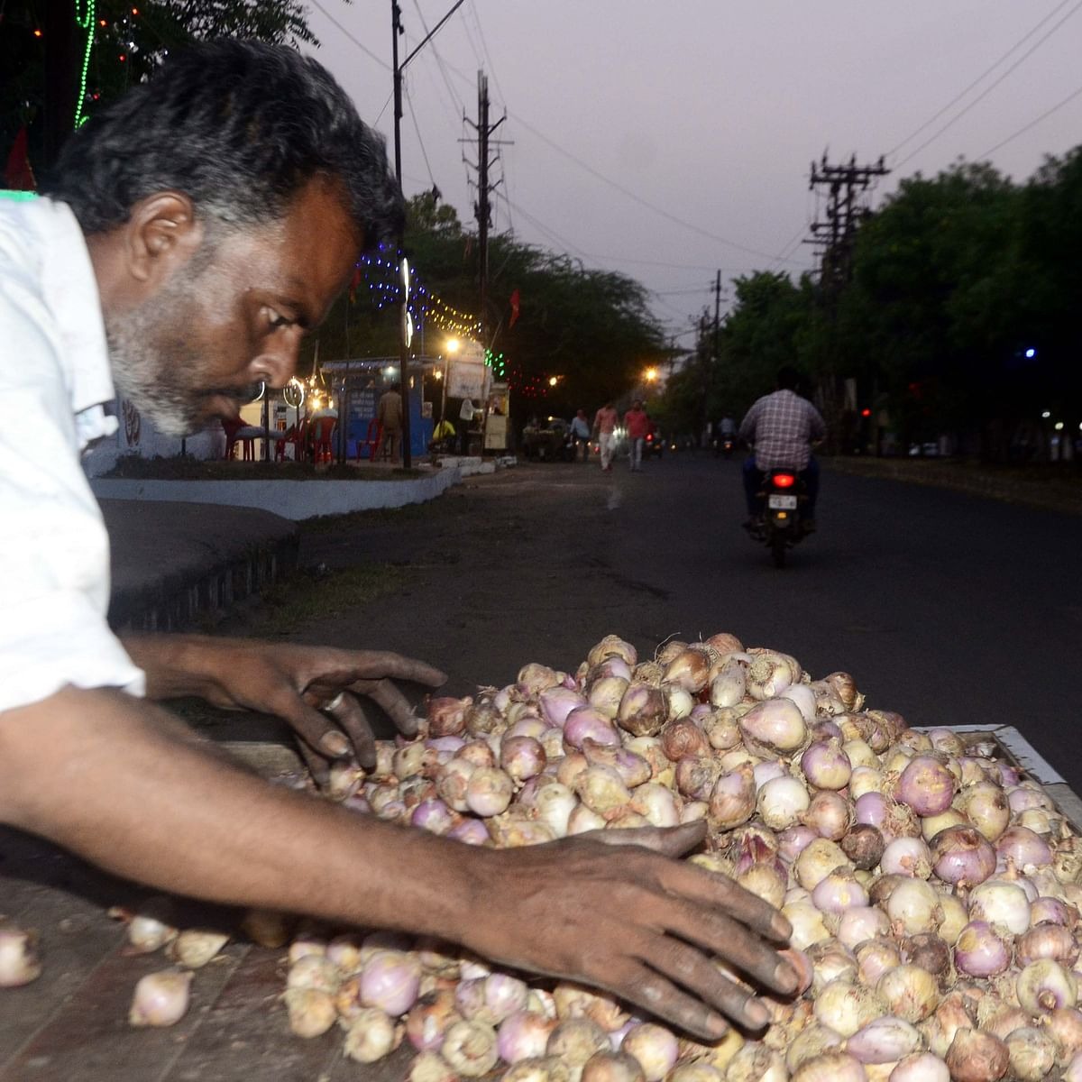 Bhopal: Amid soaring vegetable price, administration keep eye on onions