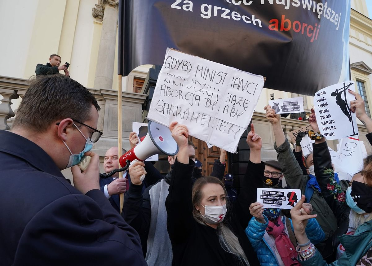 Poles furious over abortion law